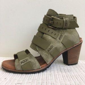 Sorel 8 Nadia Buckle Sandals Olive Green Leather